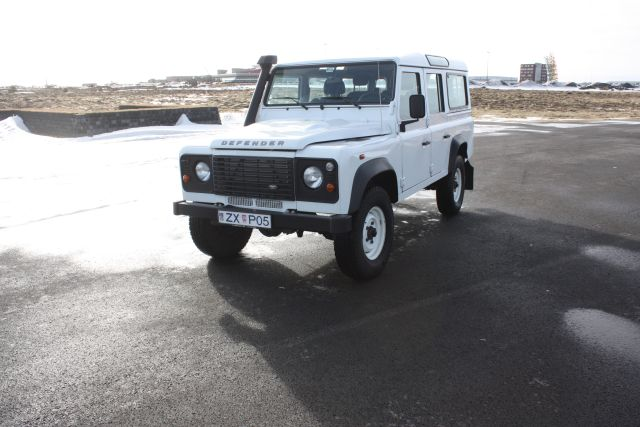Rent a 4x4 in Iceland - Land Rover Defender 4x4