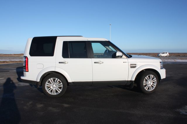 Iceland 4x4 Land Rover Discovery 4x4 Diesel 7 Seats