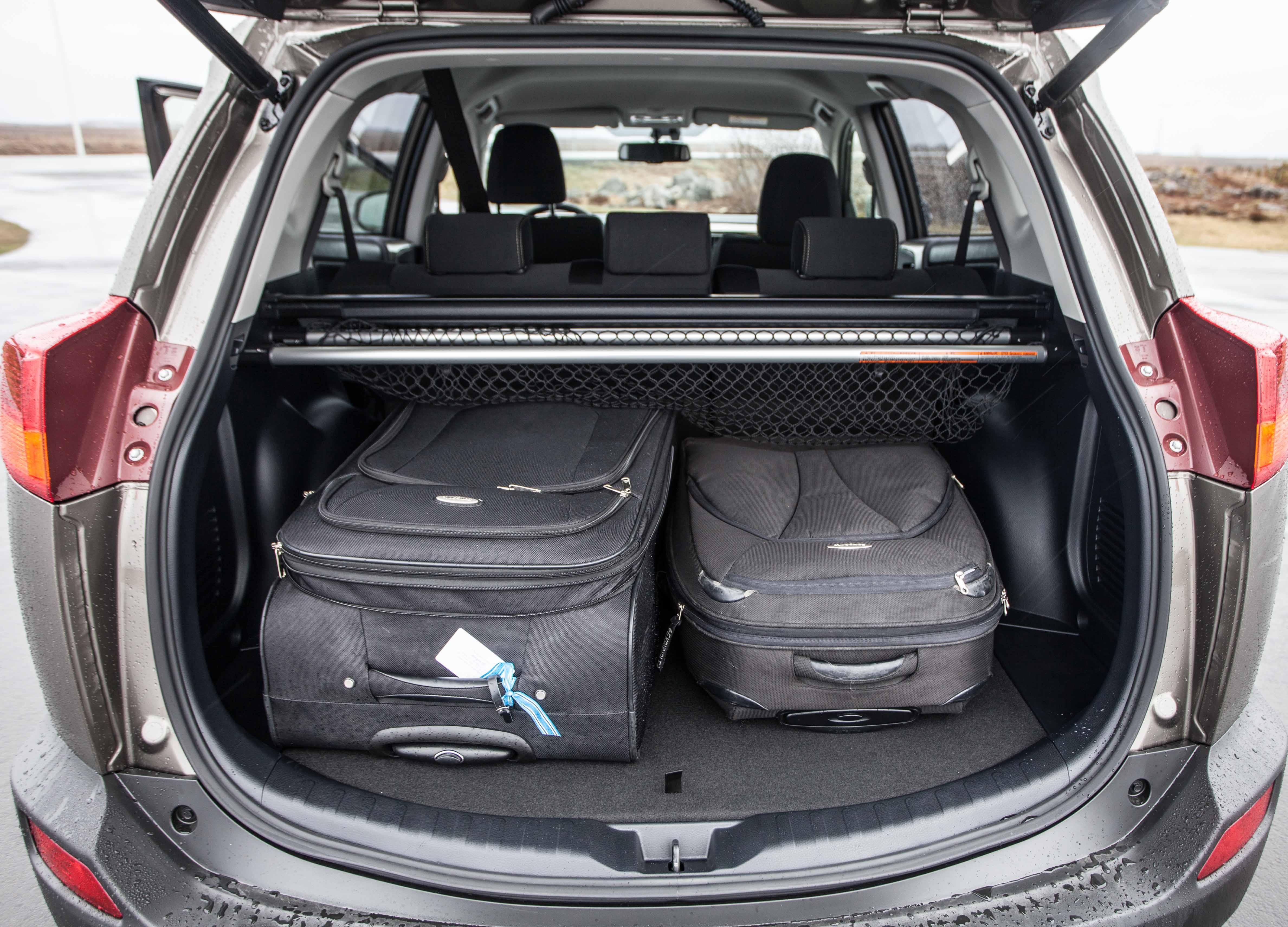 Rental SUV for Icelandic Highlands - Toyota RAV4 4x4