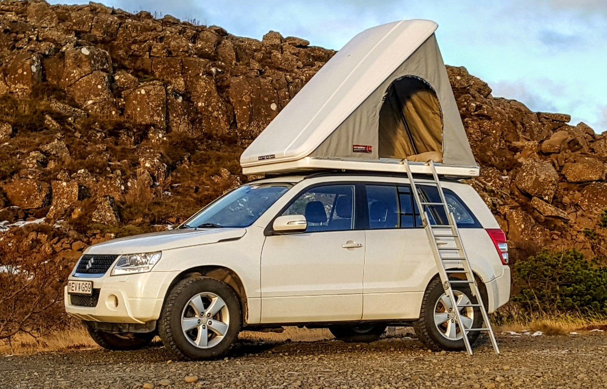 4WD Grand Vitara + Roof top tent