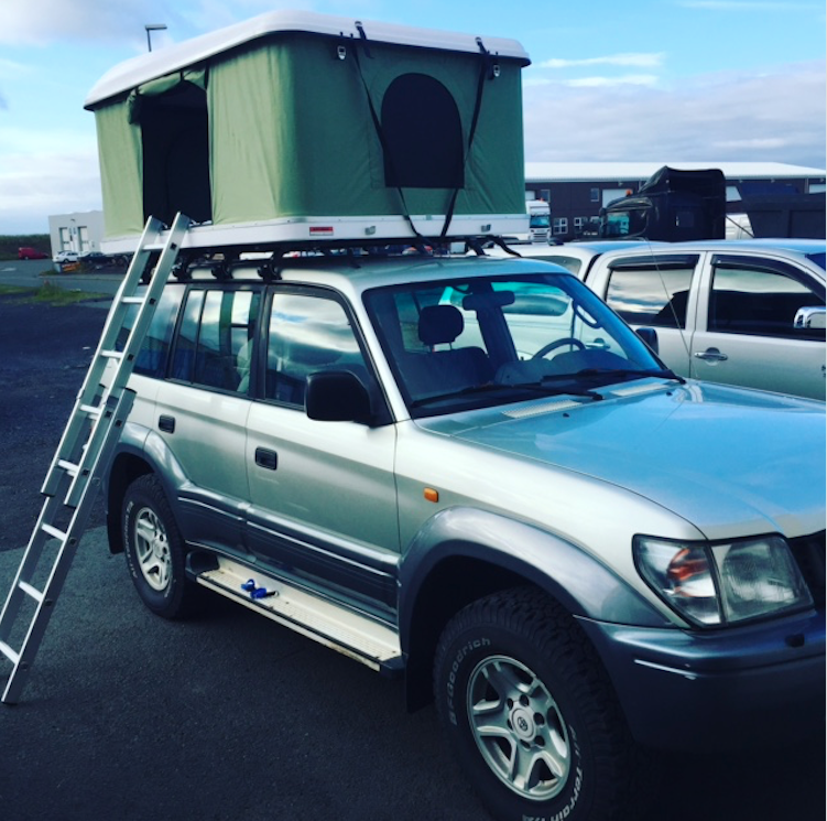 Toyota Landcruiser w/Roof tent Older model