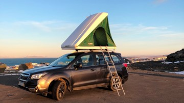<p>Subaru Forester 4x4 + Roof Top Tent for 2 persons</p>